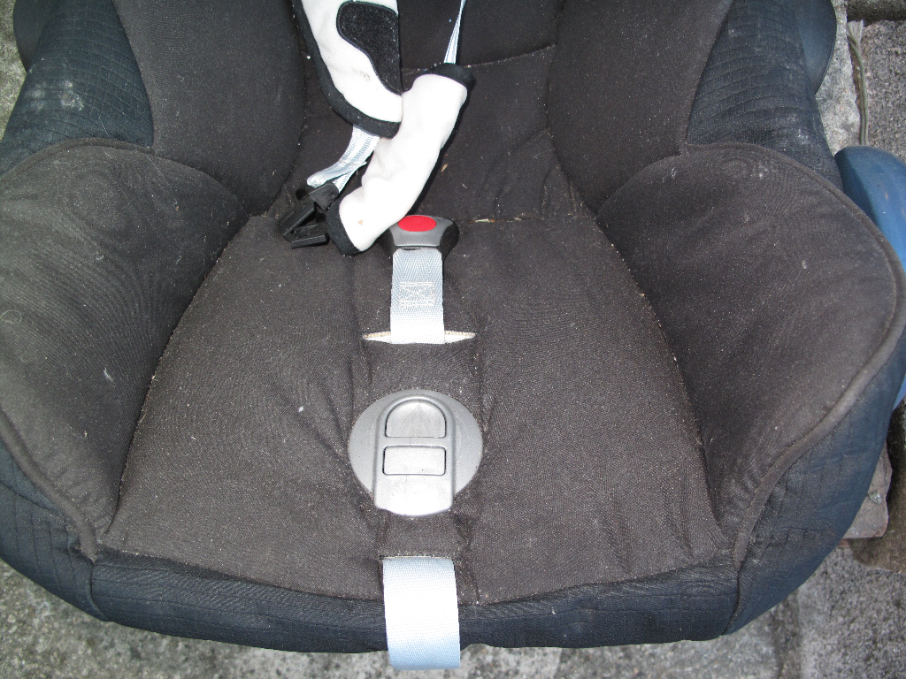 Maxi-Cosi Seat before its professional clean